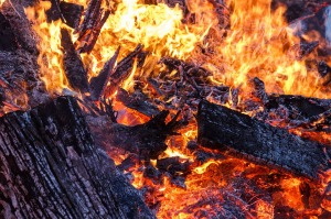 fire-386443_1280