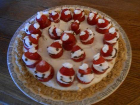strawberry-snowmen-on-cheesecake
